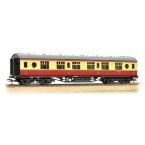 Bachmann 39-455A Ex-LMS 57 ft Porthole Corridor First BR Crimson and Cream