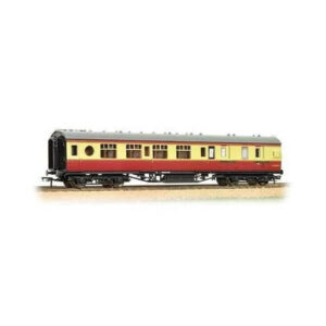 Bachmann 39-460 Ex-LMS 57 ft Porthole Corridor Brake Third BR Crimson and Cream
