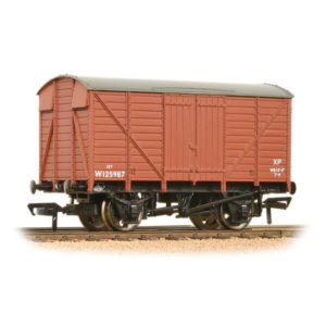 Bachmann 37-729C 12T Ventilated Van BR Bauxite Early