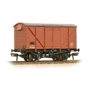 Bachmann 38-170D 12T BR Plywood Ventilated Van BR Bauxite Early