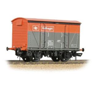 Bachmann 38-881 VEA Vanwide BR Railfreight Red / Grey