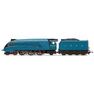 Hornby R3371 Class A4 4468 'Mallard' LNER Garter Blue RailRoad Range
