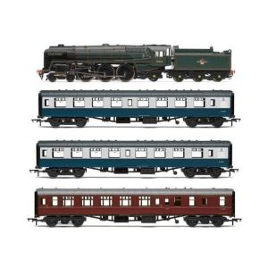 Hornby R3607 The 15 Guinea Special Train Pack