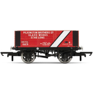 Hornby R6870 6 Plank Wagon Pilkington Bros.