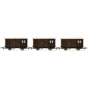 Hornby R6883 Horse Boxes 3 Pack GWR Shirtbutton Livery