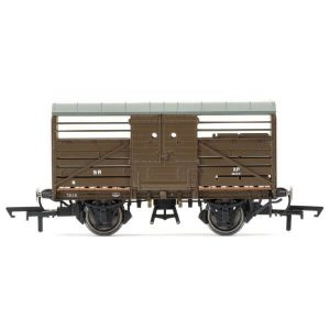 Hornby R6735 Bulleid 1947 Cattle Wagon SR Brown