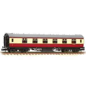 Graham Farish 374-846C Stanier Corridor First BR Crimson and Cream