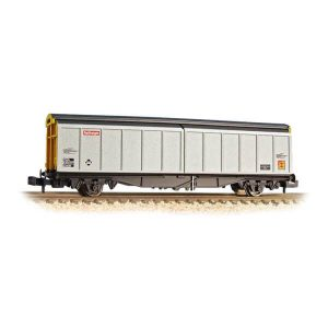 Graham Farish 373-602C VGA Sliding Wall Van BR Railfreight Distribution
