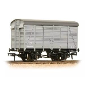 Graham Farish 377-431 12T Ventilated Van Southern 2+2 Planked LMS Grey