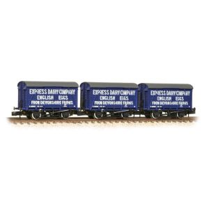 Graham Farish 377-440 12T Ventilated Van Southern Planked Express Dairy Triple Pack