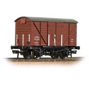 Bachmann 37-903B GWR 12T Shock Van Corrugated Ends BR Bauxite Early