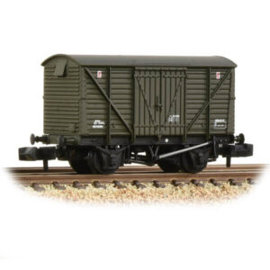 Graham Farish 373-704 BR 12T Ventilated Van with Planked Sides BR Departmental Olive Weathered
