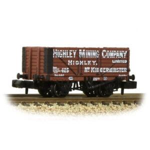 Graham Farish 377-092 7 Plank Wagon End Door Highley Mining Co. Ltd Red