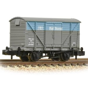 Graham Farish 377-629 BR 12T Ventilated Van BR Departmental Rail Stores