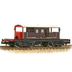Graham Farish 377-875A Queen Mary Brake Van SR Brown
