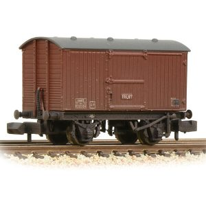 Graham Farish 377-986A 12T LNER Ventilated Van Planked Ends BR Bauxite Late Weathered