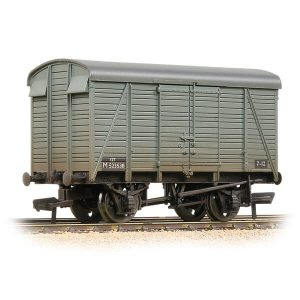 Bachmann 38-081C 12T Southern 2+2 Planked Ventilated Van BR Grey Early Weathered