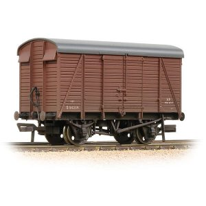 Bachmann 38-082D 12T Southern 2+2 Planked Ventilated Van BR Bauxite Early Weathered