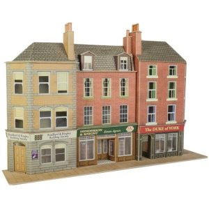 Metcalfe Models PO205 OO/HO Scale Low Relief Pub & Shops