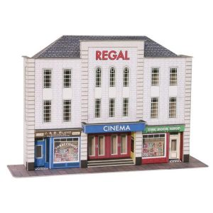 Metcalfe Models PO206 OO/HO Scale Low Relief Cinema & Shops