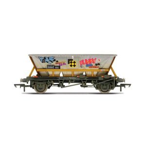 Hornby R6961 46T HAA Hopper Wagon Railfreight with Graffiti