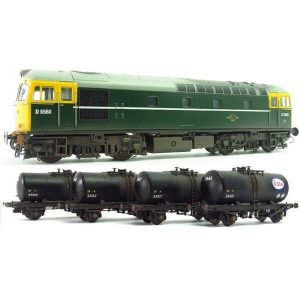 Heljan 1097 Class 33/0 D6580 BR Green with Full Yellow Ends with 4 x B Tank Wagons in Esso Livery Weathered