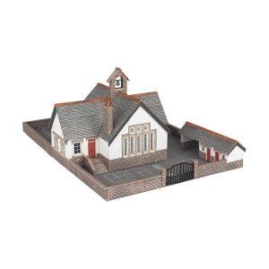 Metcalfe Models PN153 N Gauge Village School