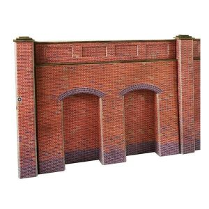 Metcalfe Models PO244 OO/HO Scale Retaining Wall in Red Brick