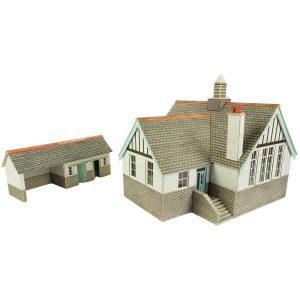 Metcalfe Models PO253 OO/HO Scale Village School