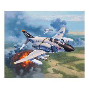 Revell 03941 McDonnell Douglas F-4J Phantom II 1/72 Scale