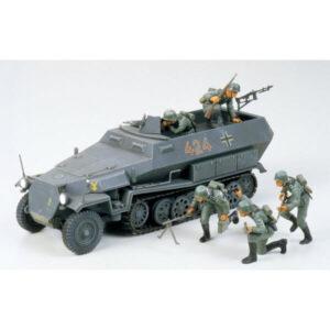 Tamiya 35020 Hanomag Sd.Kfz. 251/1 1/35 Scale