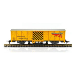 Gaugemaster GM4430101 Track Cleaning Wagon Network Rail Yellow