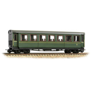 Bachmann 394-002 Steel Bodied Third Bogie Coach Lined Green
